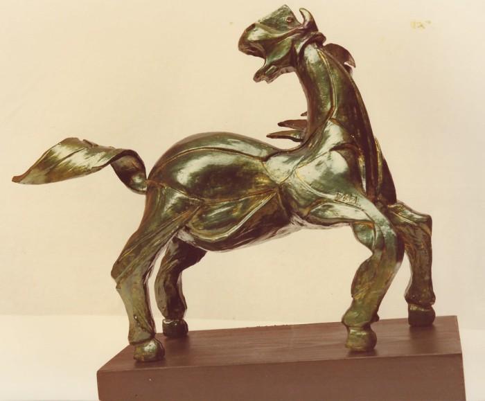 Terracotta, legno e bronzo